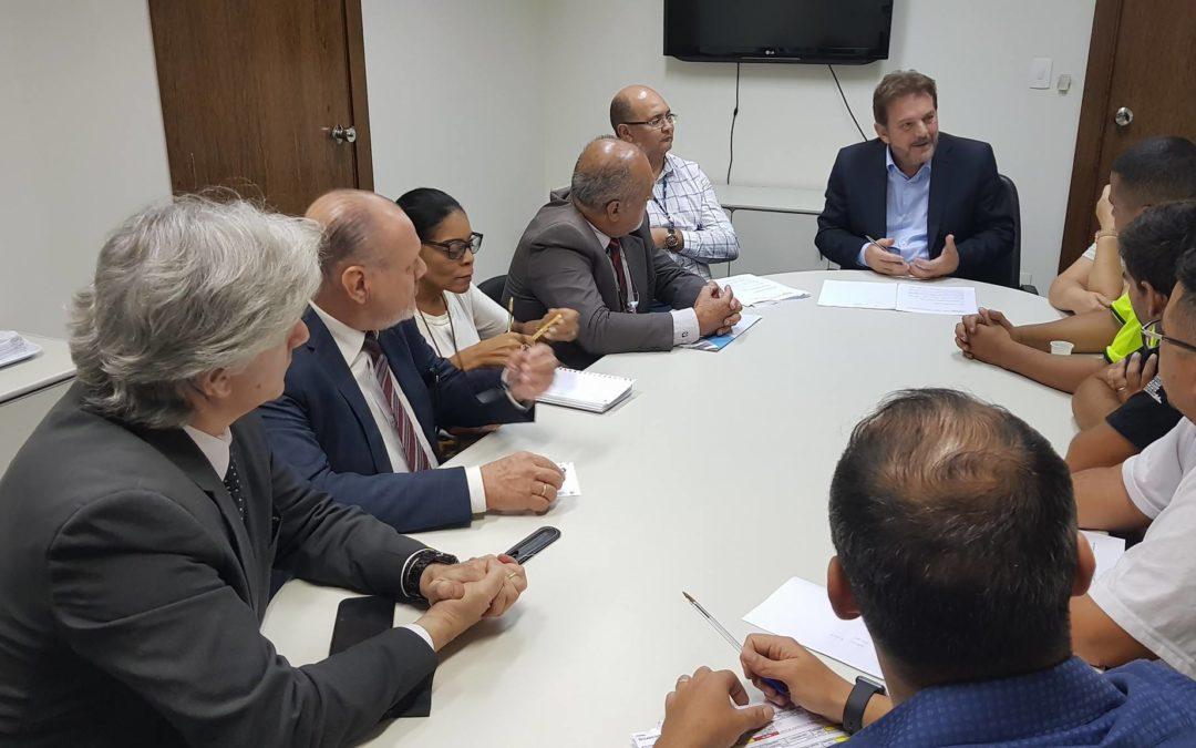 Prefeitura e Sindicato se reúnem para definir reajustes salarial e vale alimentação